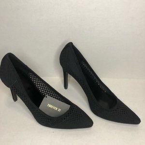 Forever 21 Black Crochet high heel pumps Size 9.